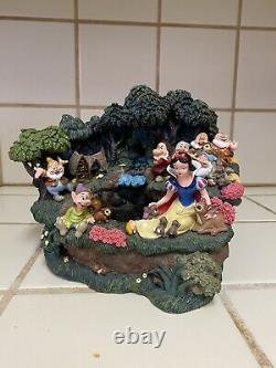 Disney Store Snow White 7 Seven Dwarves Water Fall Fountain Figurine Retired NIB