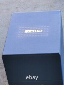 Vintage Seiko Tank Solar Men's Watch with Display Storage Box