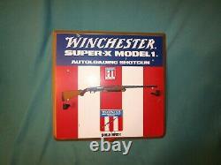 Winchester Super-X Model 1 Autoloading Shotgun Store Display Gun Holder Rack
