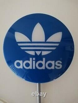 Adidas Original Store Round Wall Display Signe Néon Bleu Clair/blanc Trefoil